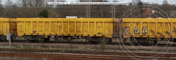 31 70 5992 028-8 IOA (E) Ealnos Network Rail Mussel @ York avoiding line 2016-02-22 © Paul Bartlett w