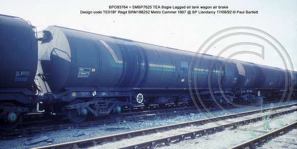 BPO83764 = SMBP7625 TEA Bogie Lagged oil tank wagon AB Design code TE018F @ BP Llandardcy 92-08-17 � Paul Bartlett w