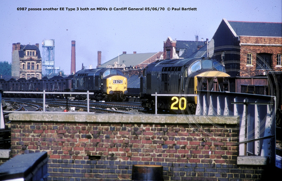 6987 passes another EE Type 3  @ Cardiff General 70-06-05 © Paul Bartlett w