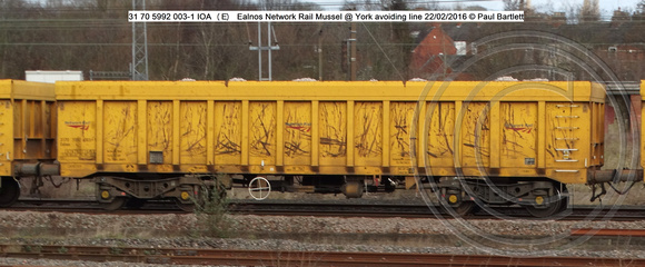 31 70 5992 003-1 IOA (E) Ealnos Network Rail Mussel York @ York avoiding line 2016-02-22 © Paul Bartlett w